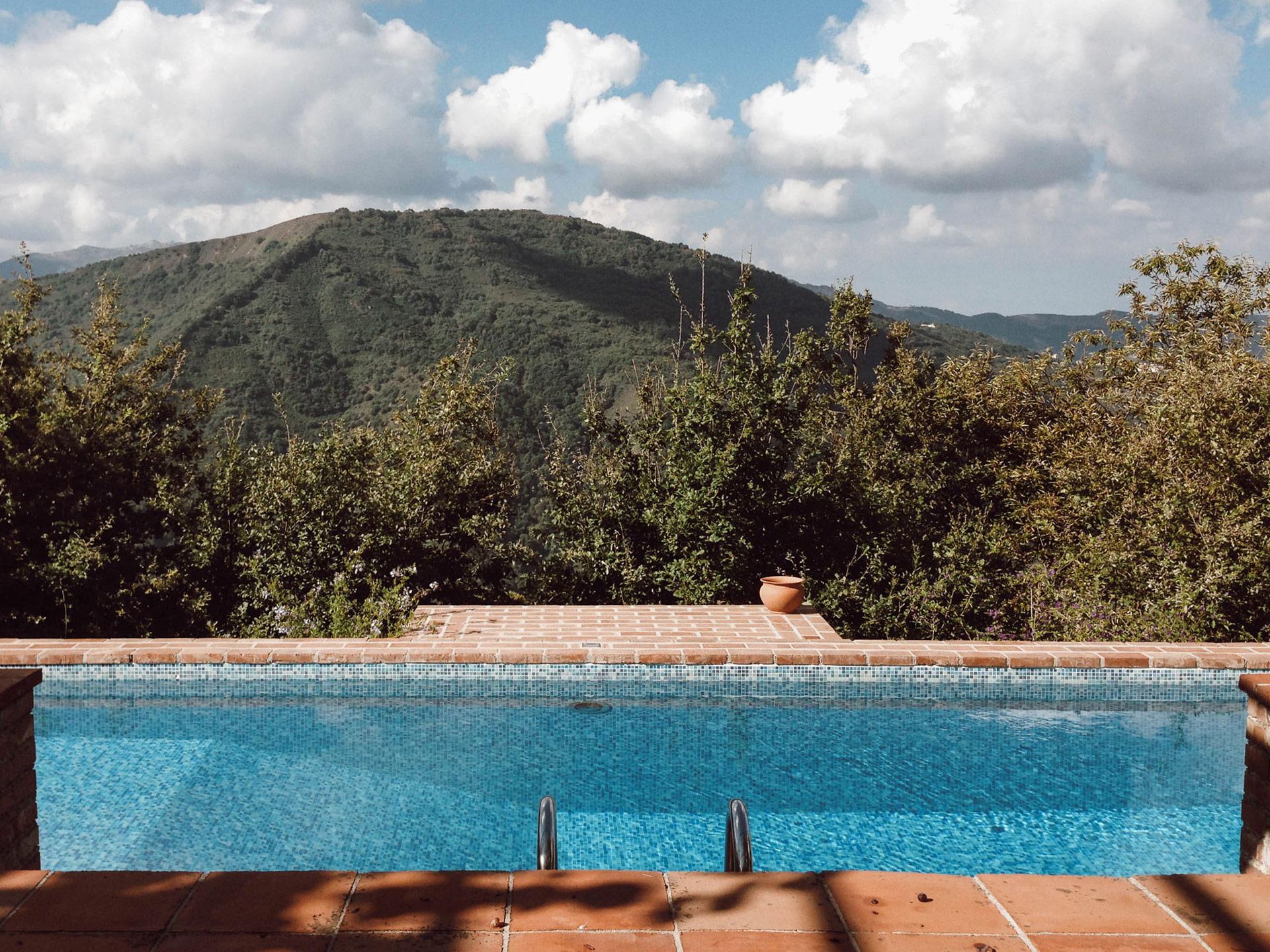 sizilienurlaub ferienvilla in castell umberto ferien auf sizilien. Black Bedroom Furniture Sets. Home Design Ideas